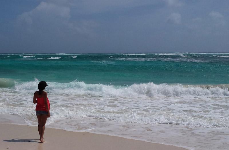 beachgirl-800