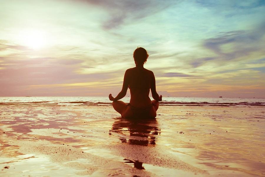 Artikelbild_yoga_entspannung_strand